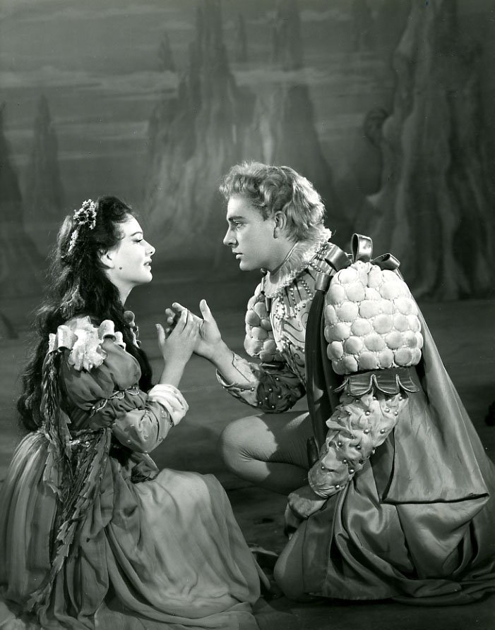 Miranda, played by Hazel Penwarden and Ferdinand played by Richard Burton. Photographer Angus McBean, copyright RSC