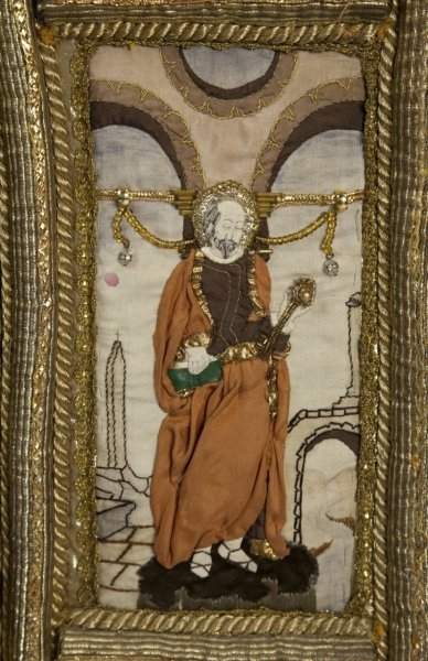 Cloak – embroidered detail © Shakespeare Birthplace Trust