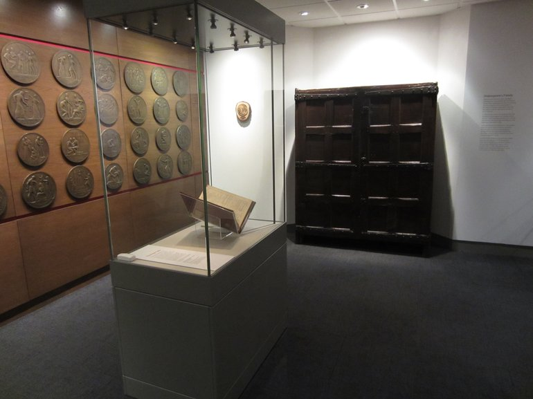 See the Cubboarde of Boxes on display in the 'Famous Beyond Words' Exhibition at the Shakespeare Centre.