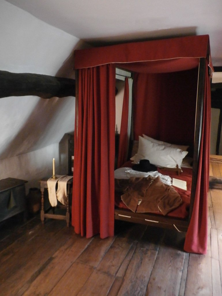 Bed at Anne Hathaway's Cottage