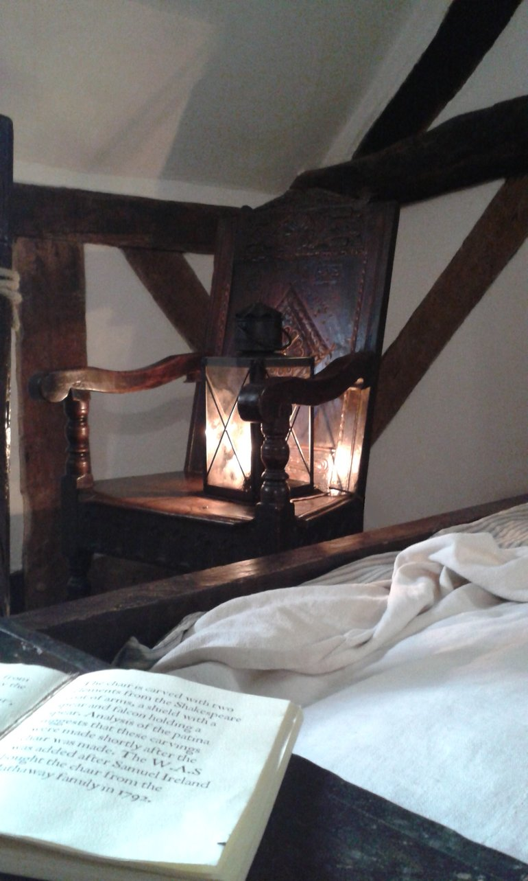 Shakespeare courting chair