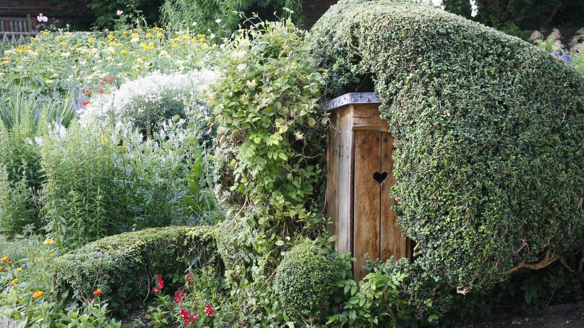 AHC Garden Door