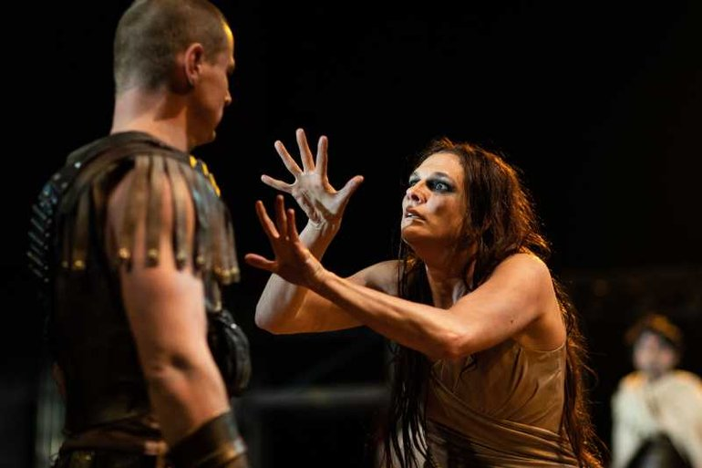 Charlotte Arrowsmith in Troilus and Cressida in sign language