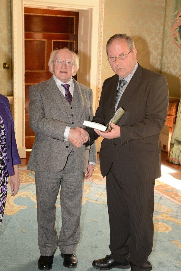 President Higgins and Muiris  Sionóid
