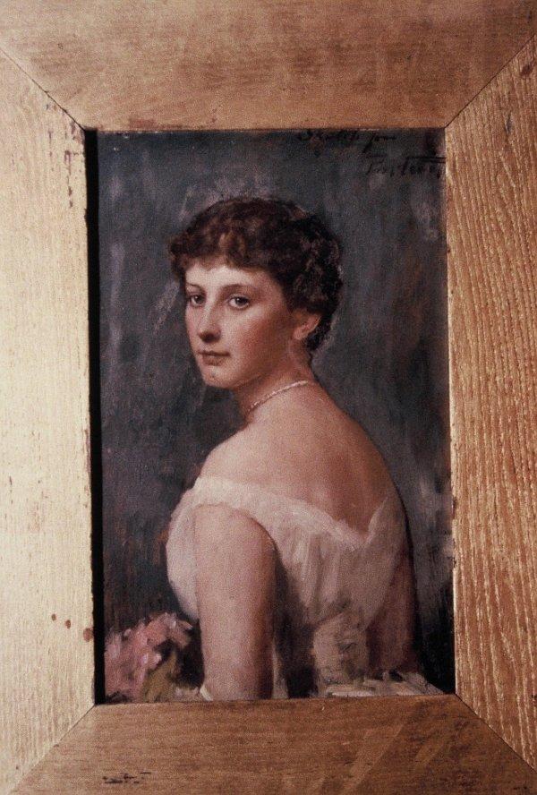 Helene Leigh