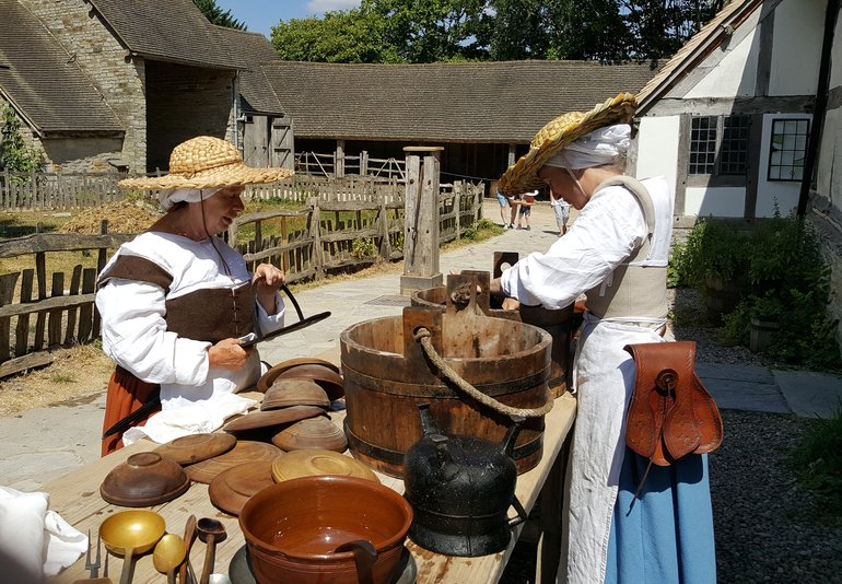 Volunteer at Mary Arden's Farm
