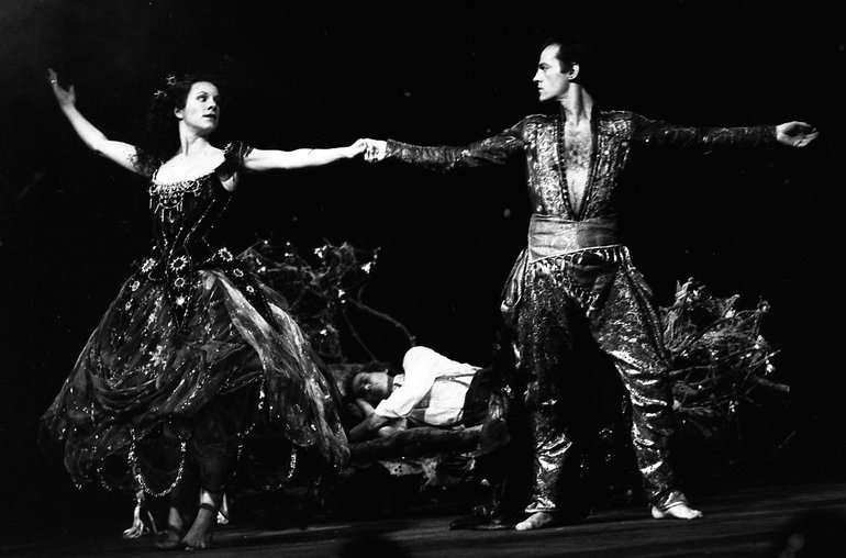 """Titania and Oberon in the """"Dance of Amity"""" (RSC production, 1981)"""