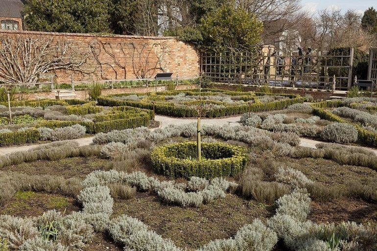 New Place Knot Garden