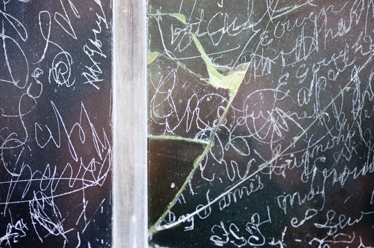birthplace window signatures