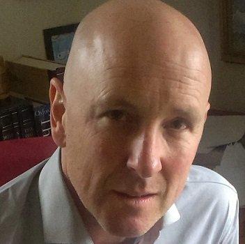 Simon Palfrey