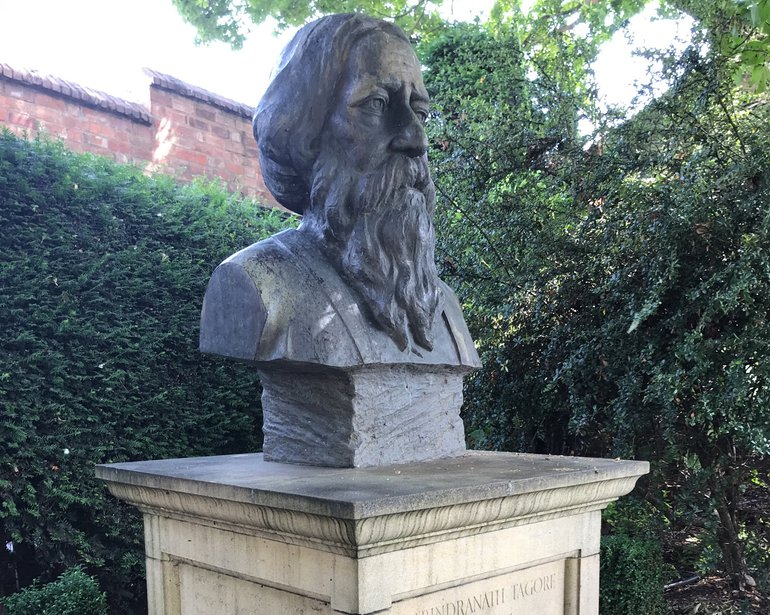 Bust of Tagore