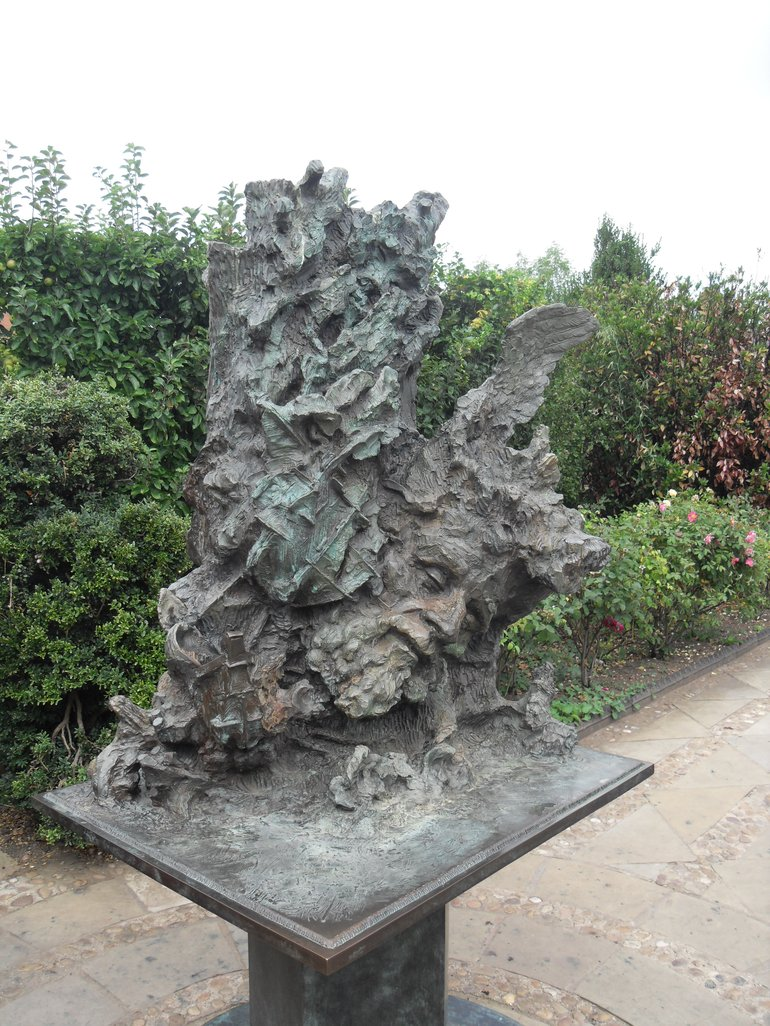 Greg Wyatt Sculpture of The Tempest in the gardens of Shakespeare's New Place