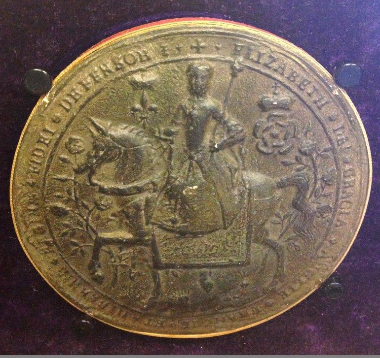(2) Elizabeth seal on Stoneleigh charter