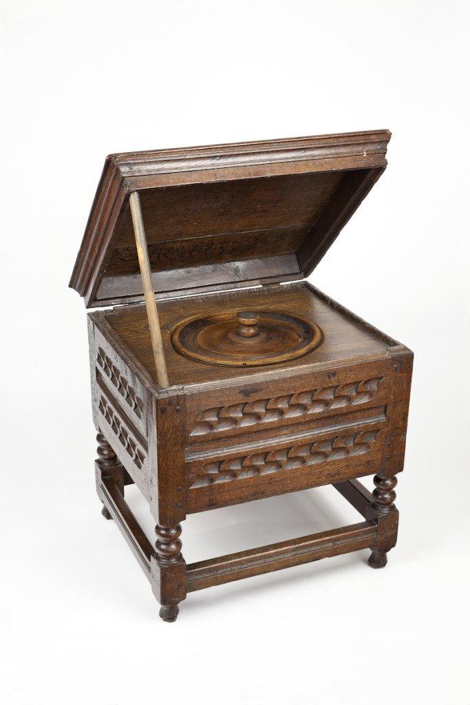 SBT 1993-31/185 Close stool