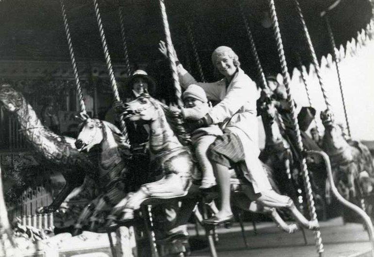 Mop fair, 1933 (DR 641/1/59)