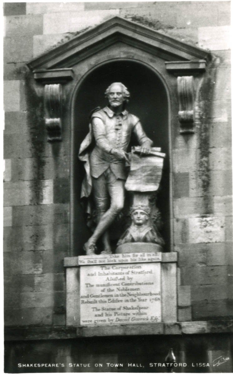 Town Hall Statue
