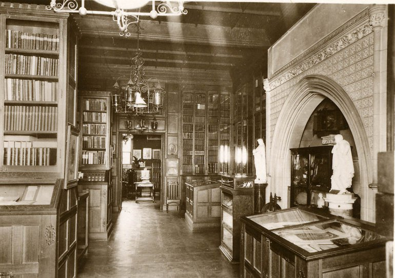 Interior Shakespeare Memorial Library, circa 1925