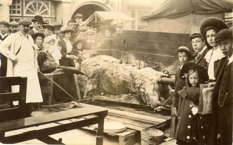 Mop fair, circa 1905 (SC 67/13)
